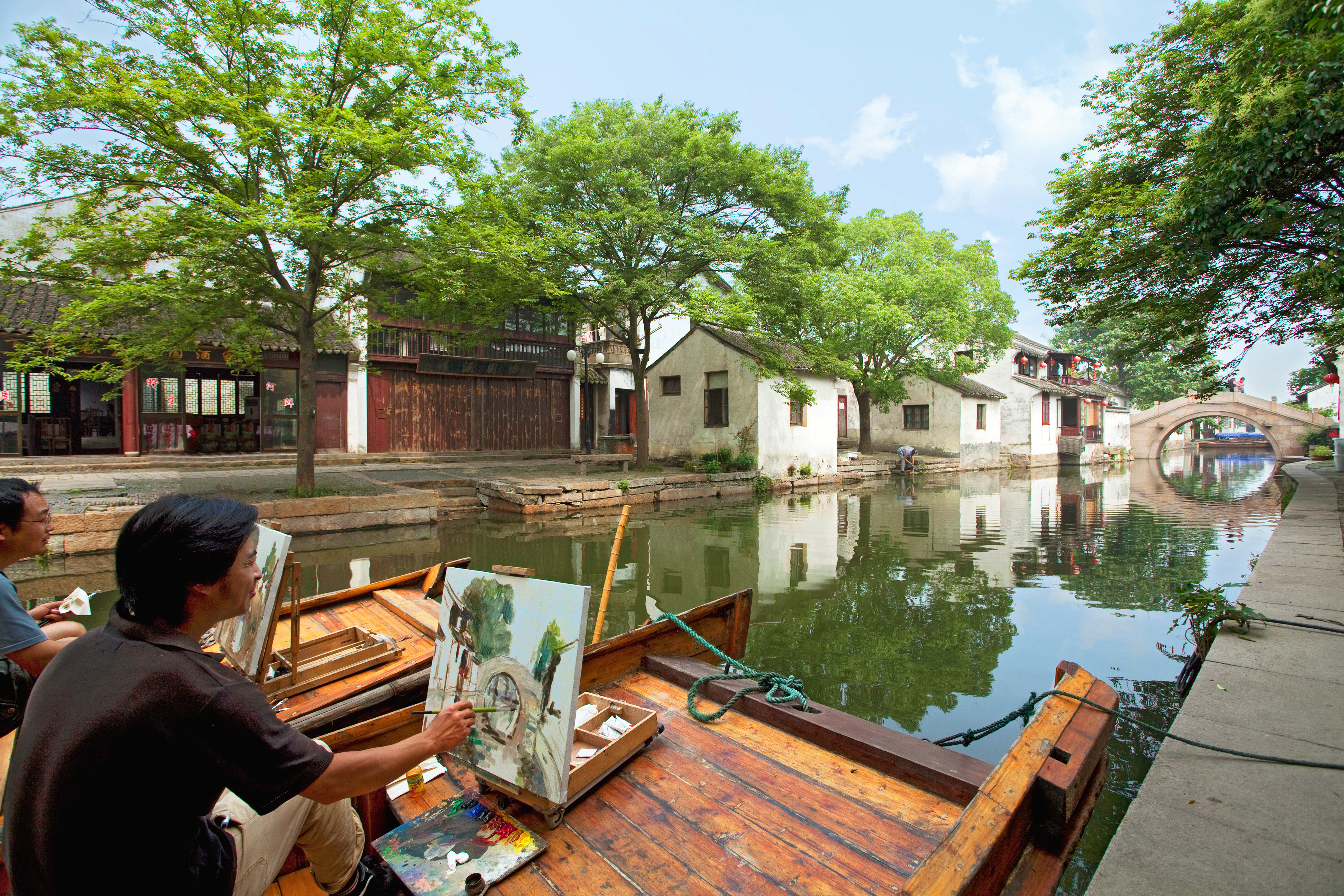 Bar Dining Drink Eat Luxury tree waterway Canal home cottage boathouse