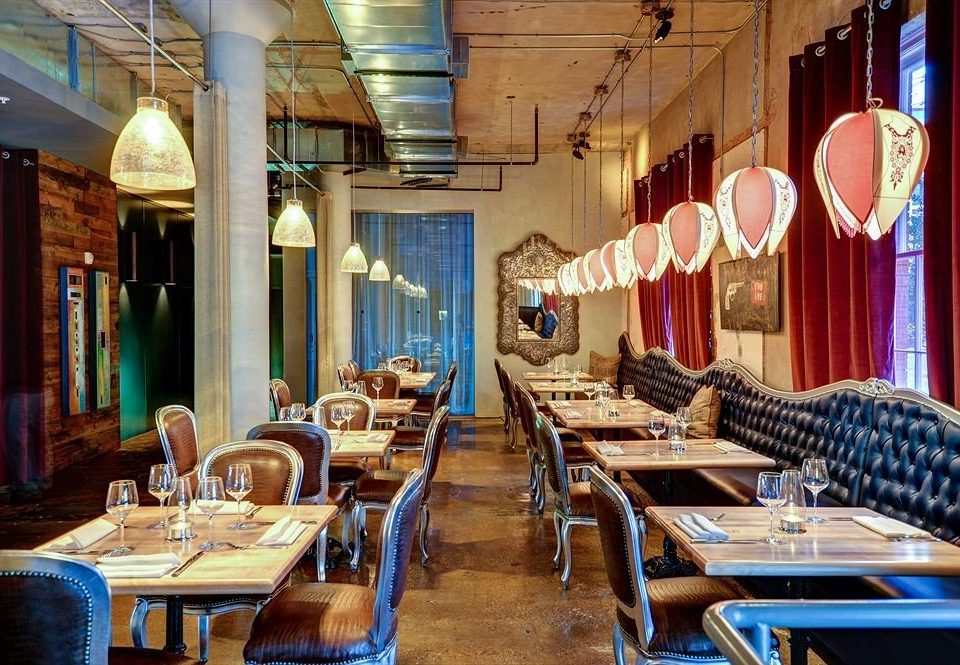 City Dining Hip restaurant wooden Bar café dining table