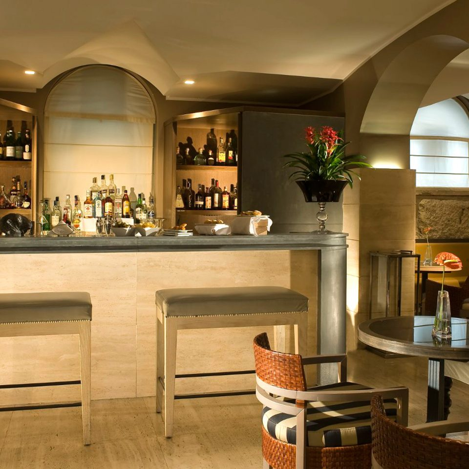 Bar City Drink Elegant property home Lobby cabinetry Kitchen lighting living room restaurant mansion