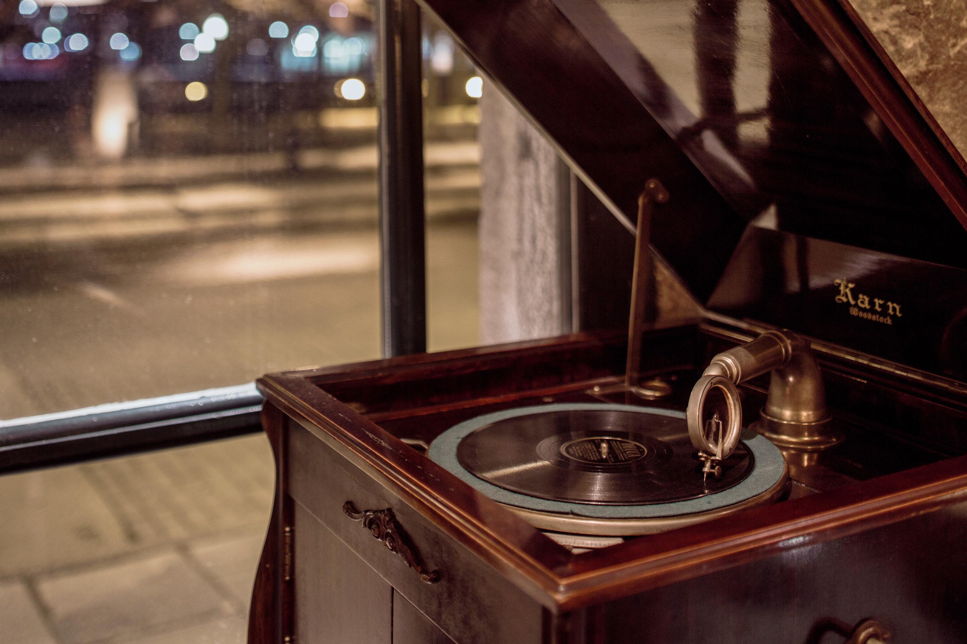 City Elegant Historic lighting shape restaurant glass Bar