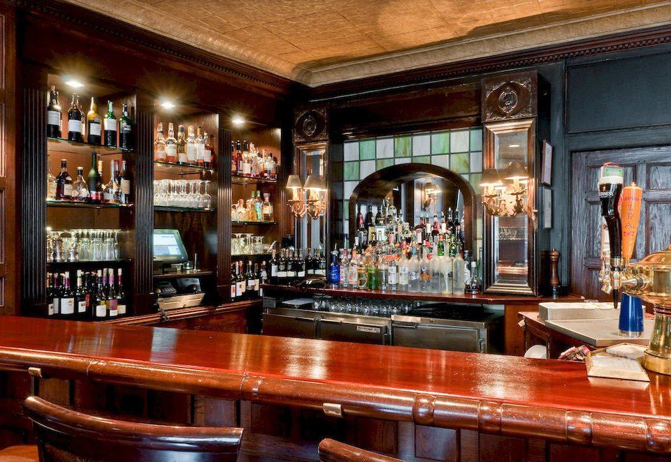 Bar City Elegant restaurant tavern counter Island dining table