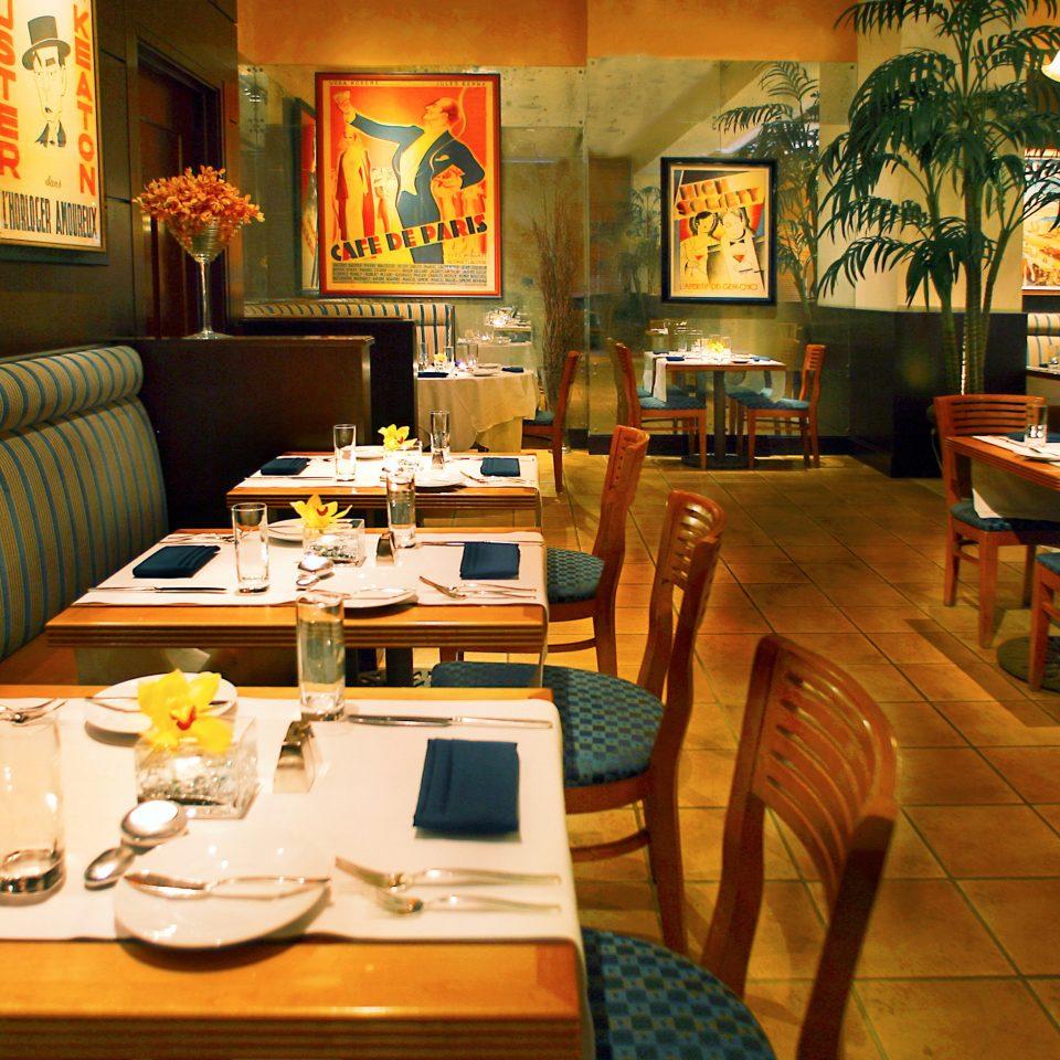 City Resort restaurant café Bar cluttered