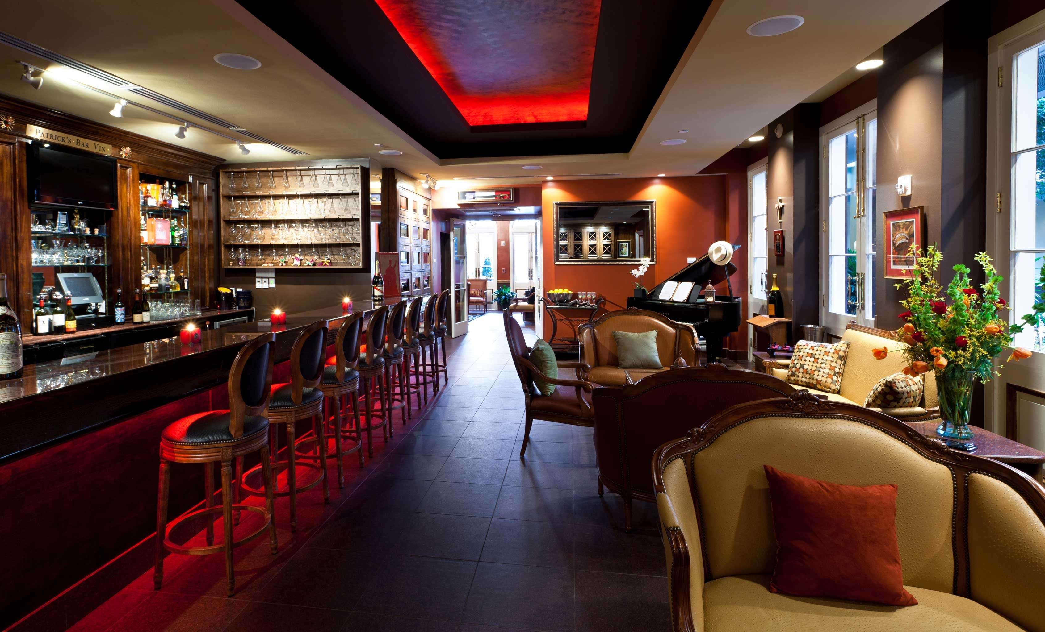 Bar Classic Dining Drink Eat Luxury restaurant recreation room Lobby