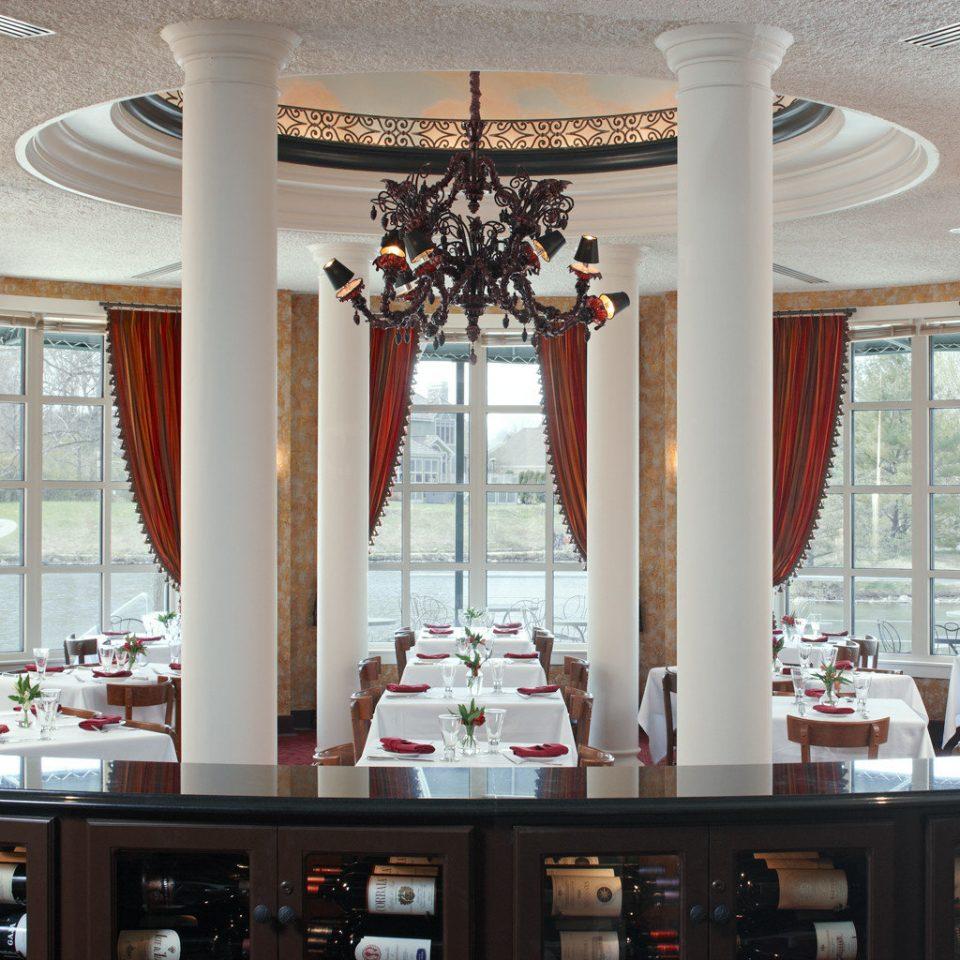 Classic Dining Drink Eat Elegant home lighting shelf living room restaurant mansion Bar