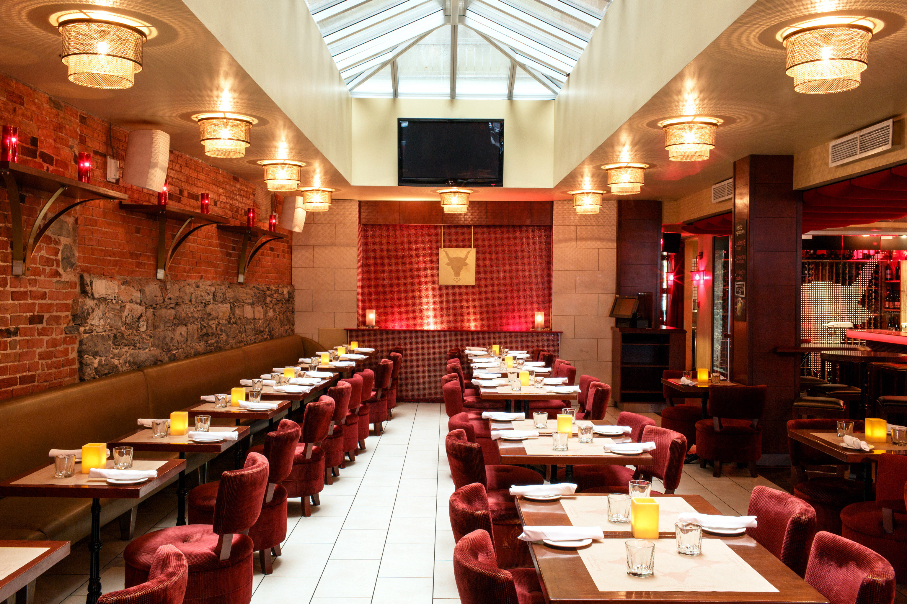 Classic Dining Drink Eat Elegant Luxury function hall restaurant Bar
