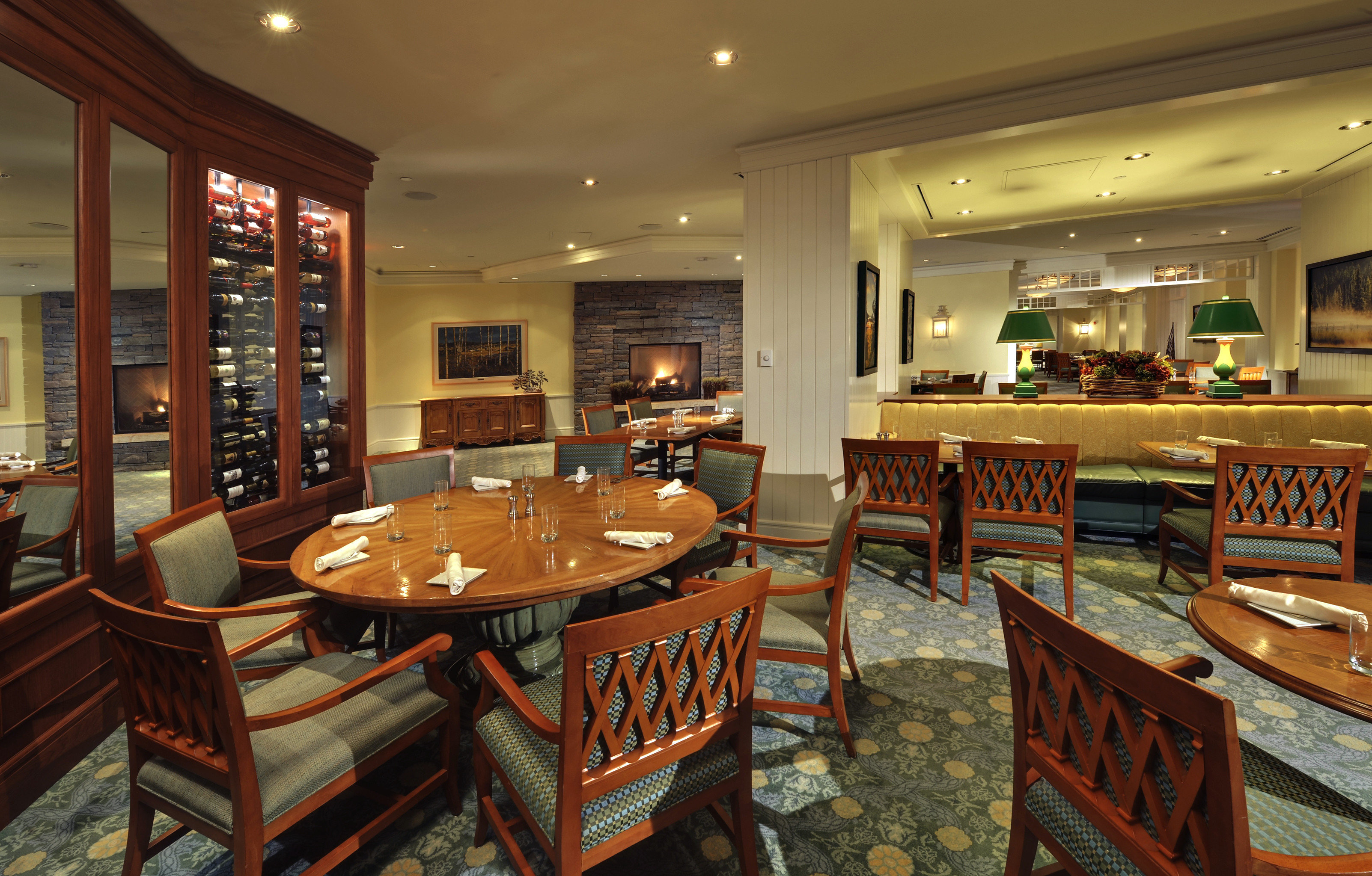 Classic Dining Drink Eat Fireplace Resort chair restaurant recreation room café Bar function hall