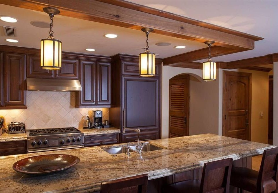 Classic Drink Eat Kitchen property countertop cabinetry counter home hardwood cuisine classique lighting wooden material living room Island Bar appliance