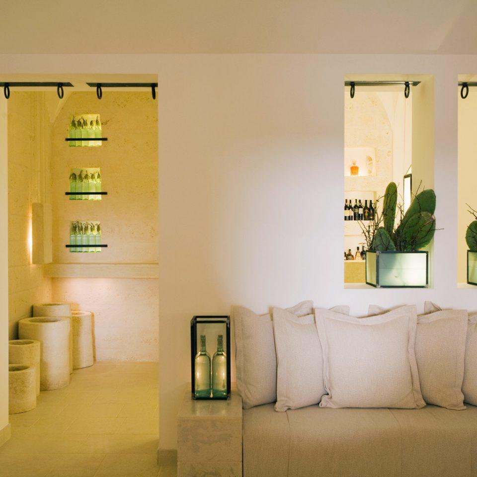 Bar Classic Drink Elegant Lounge Wine-Tasting property home lighting living room Suite