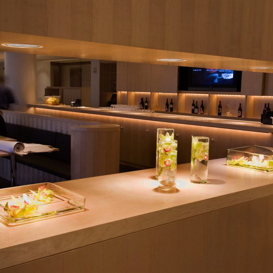 Bar Classic Drink Resort counter lighting restaurant Island