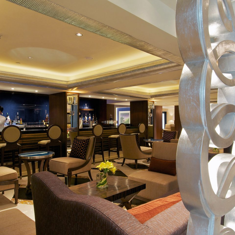 Bar Classic Drink Lounge Nightlife Resort Lobby restaurant living room yacht