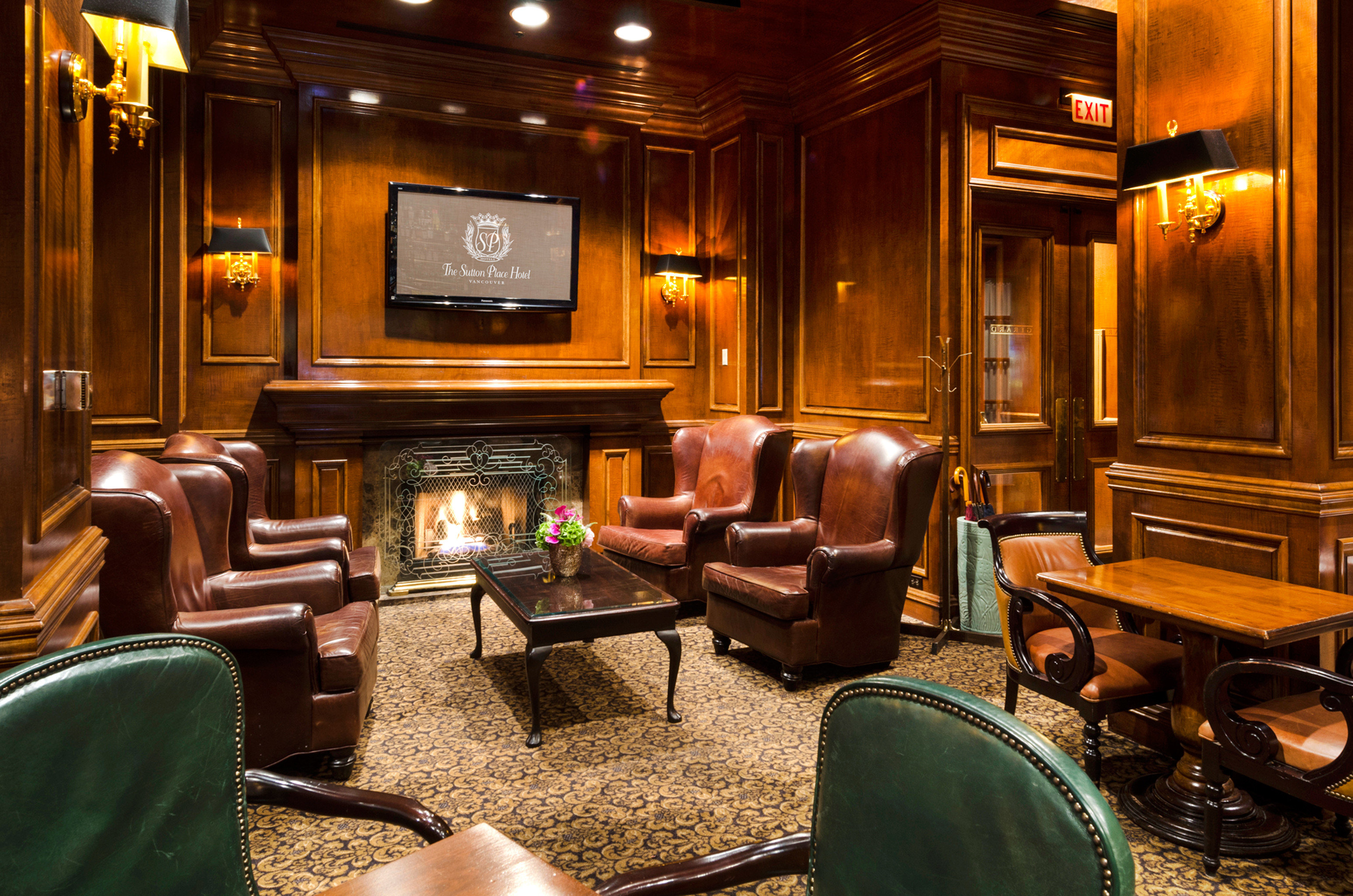 Classic Elegant Fireplace Lounge Luxury chair Lobby recreation room home living room Bar leather