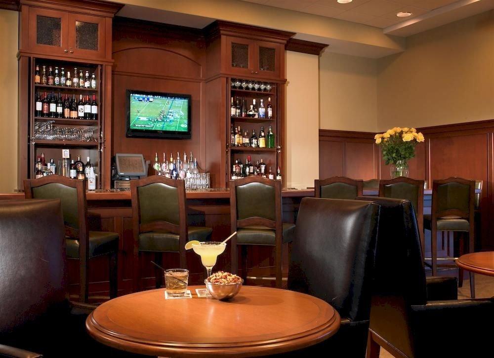 Bar Classic Family Lobby restaurant recreation room living room café leather