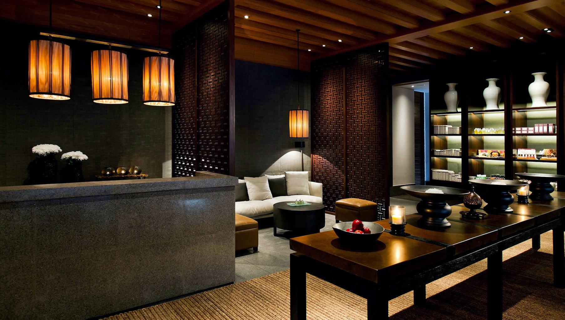 Classic Lounge Nightlife Resort Bar Suite living room Island