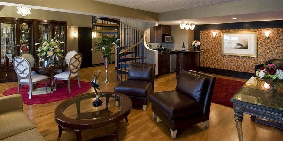 Classic Lounge property Lobby recreation room home Suite mansion Resort restaurant Bar living room