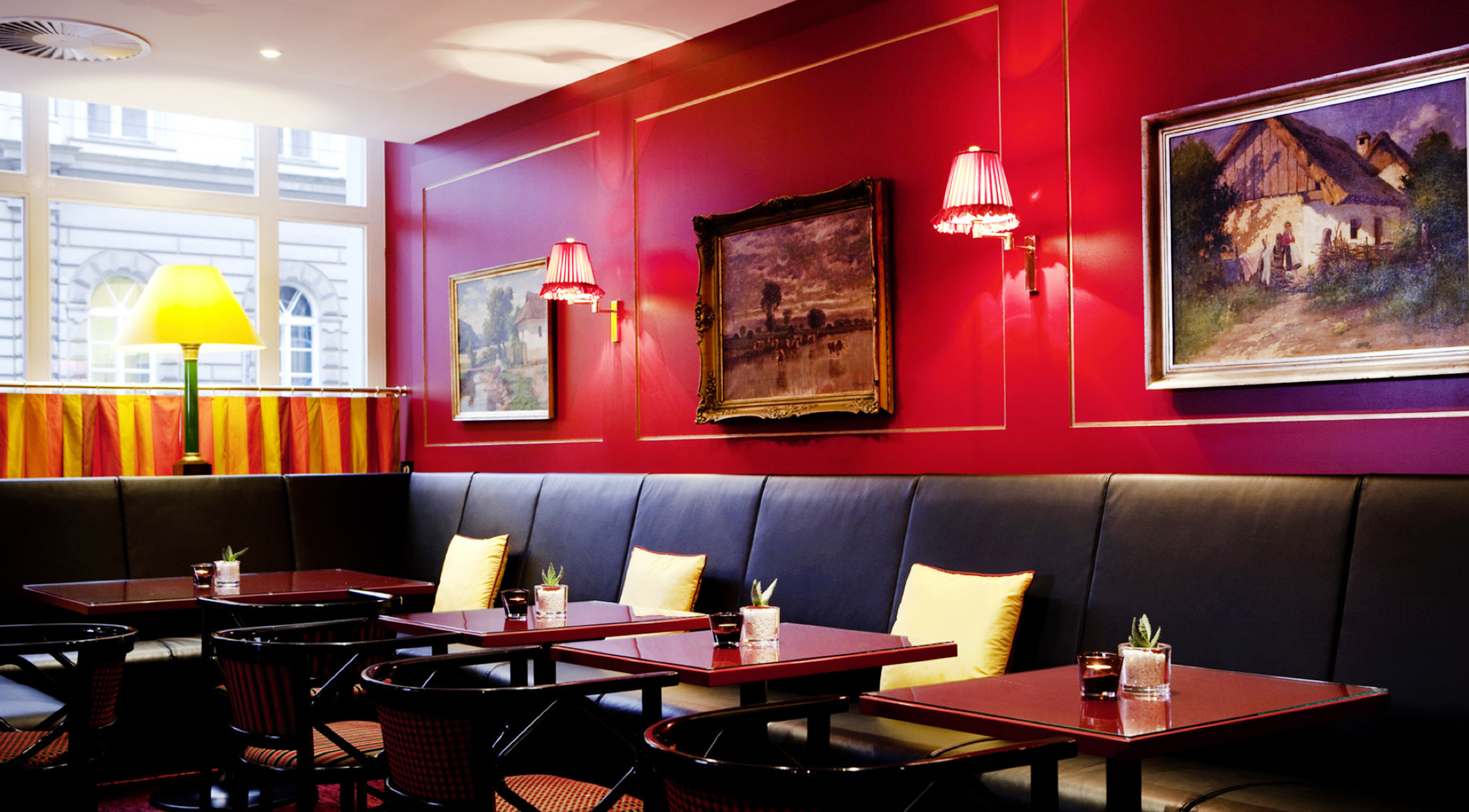 Classic Lounge Luxury Romantic red restaurant Bar