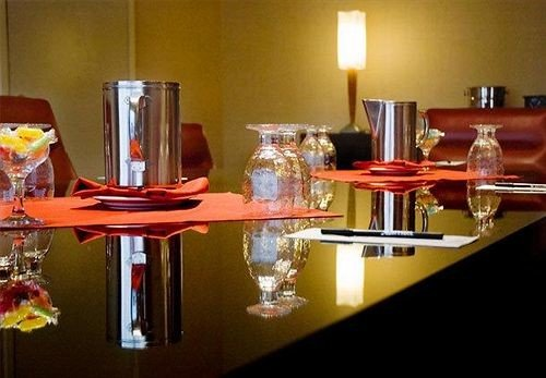restaurant Bar set dining table cluttered