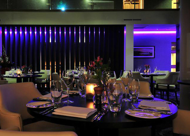 nightclub stage function hall convention Bar set