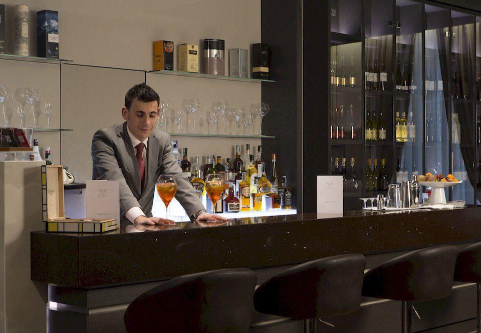 Bar restaurant convention