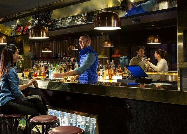 Bar restaurant counter sense preparing