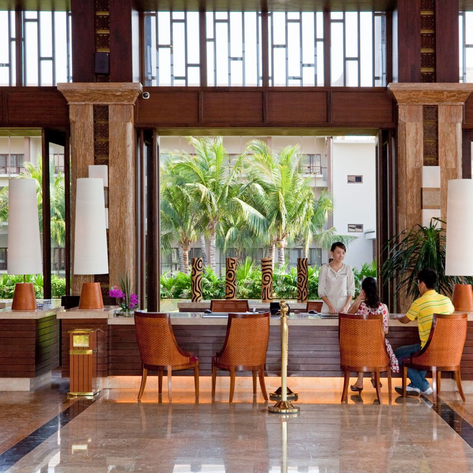 Bar Dining Drink Eat Resort building Lobby wooden home Courtyard
