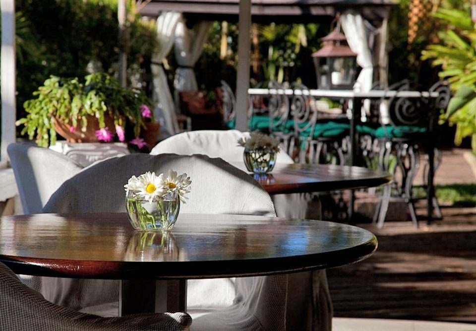 Bar Dining Drink Eat Lounge Luxury Romantic floristry restaurant backyard home flower Courtyard dining table