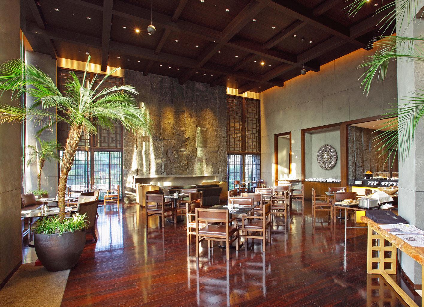 Cultural Drink Eat Hotels Luxury Travel Modern Lobby restaurant Dining Resort function hall Bar