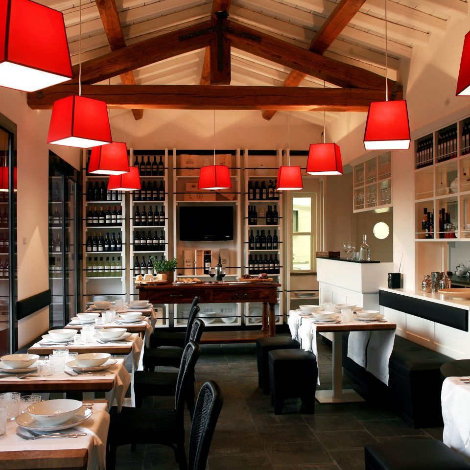 Bar Cultural Dining Drink Eat Romance Wine-Tasting restaurant café Resort Lobby living room Modern