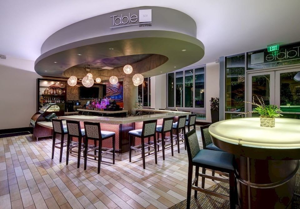 Bar Deck Dining Drink Eat property Lobby recreation room restaurant function hall Resort home mansion convention center