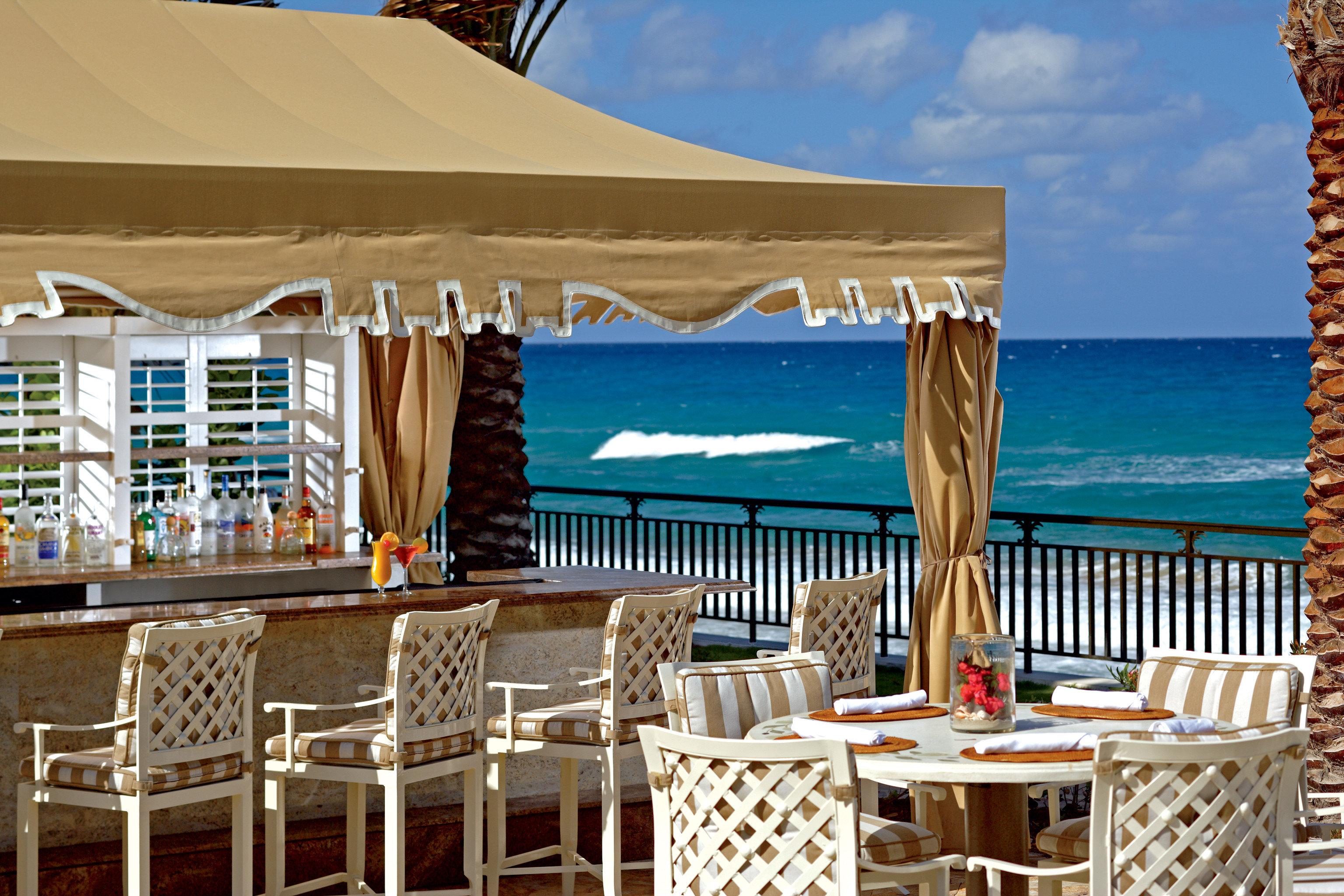 Bar Drink Modern Outdoors Resort Waterfront chair restaurant palace Deck day