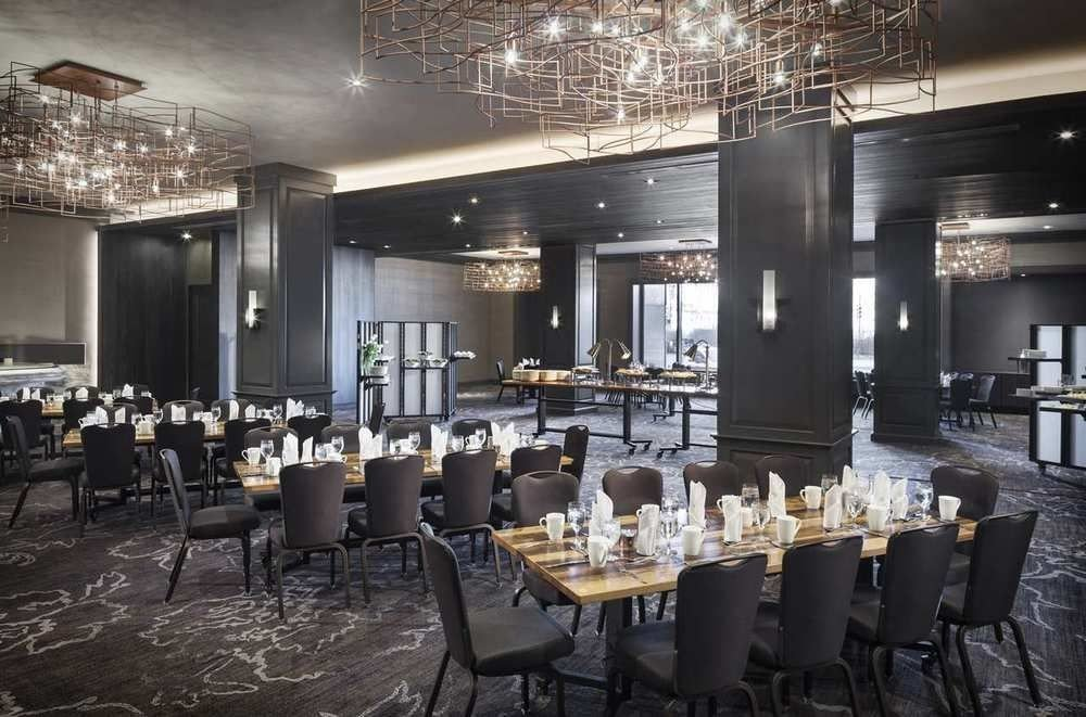 chair function hall restaurant Dining ballroom banquet working Bar convention center