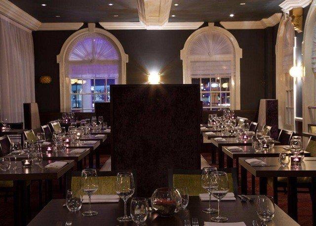 wine function hall Dining restaurant ballroom Bar set