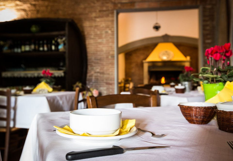 plate restaurant brunch rehearsal dinner Bar Dining breakfast dining table