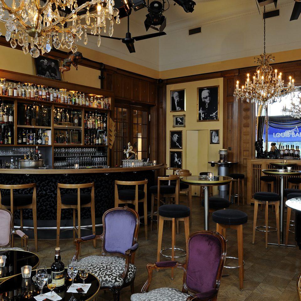 chair Dining restaurant Bar coffeehouse café