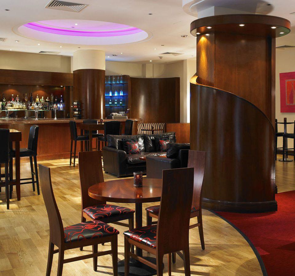 chair Dining restaurant Bar recreation room function hall café dining table