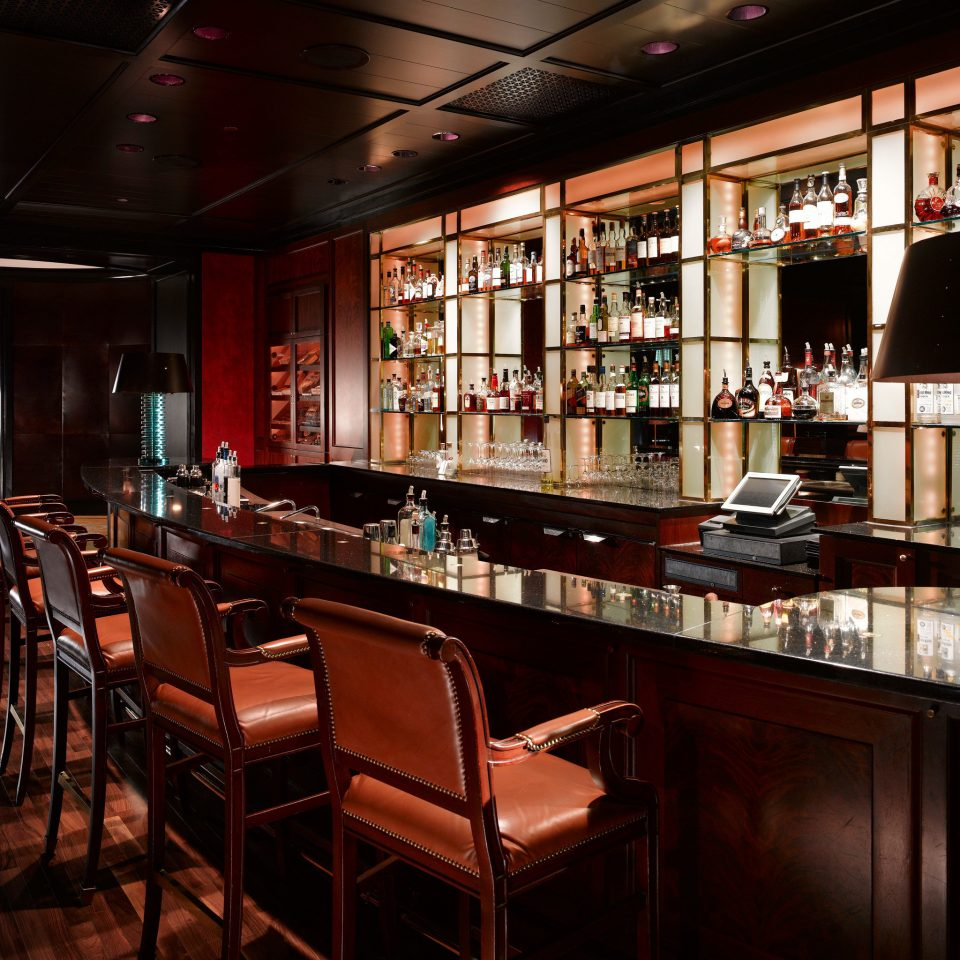 Bar restaurant café Dining
