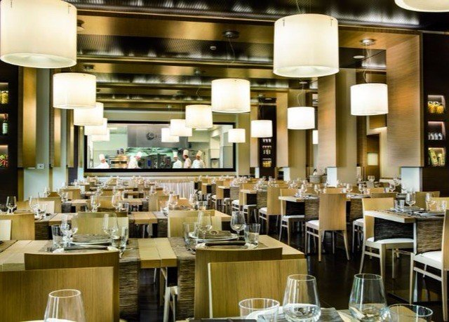 restaurant Dining café Bar cafeteria function hall set