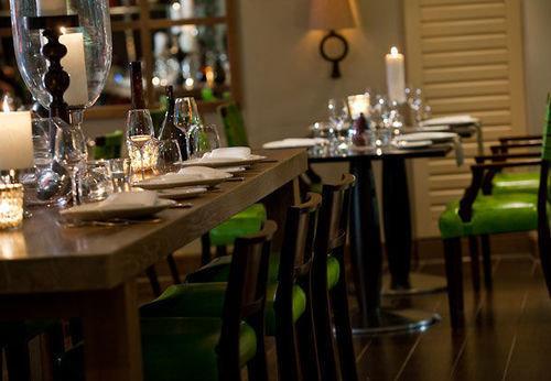 Dining restaurant Bar set dining table