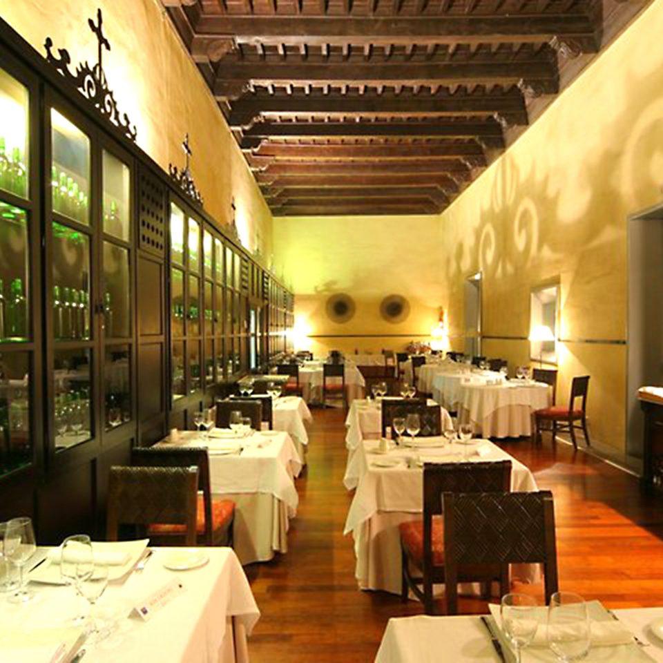 Bar Dining Drink Eat Elegant restaurant Lobby function hall