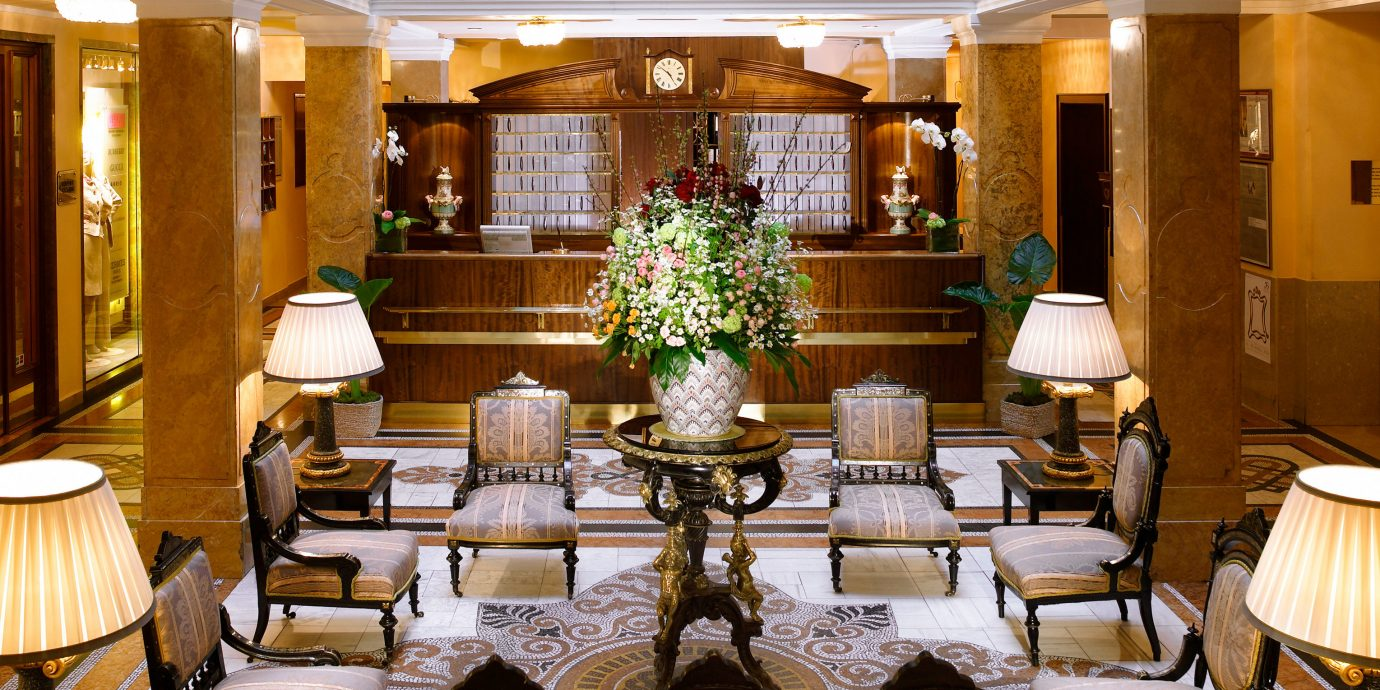 Bar Dining Drink Eat Elegant function hall restaurant Lobby Resort ballroom palace convention center