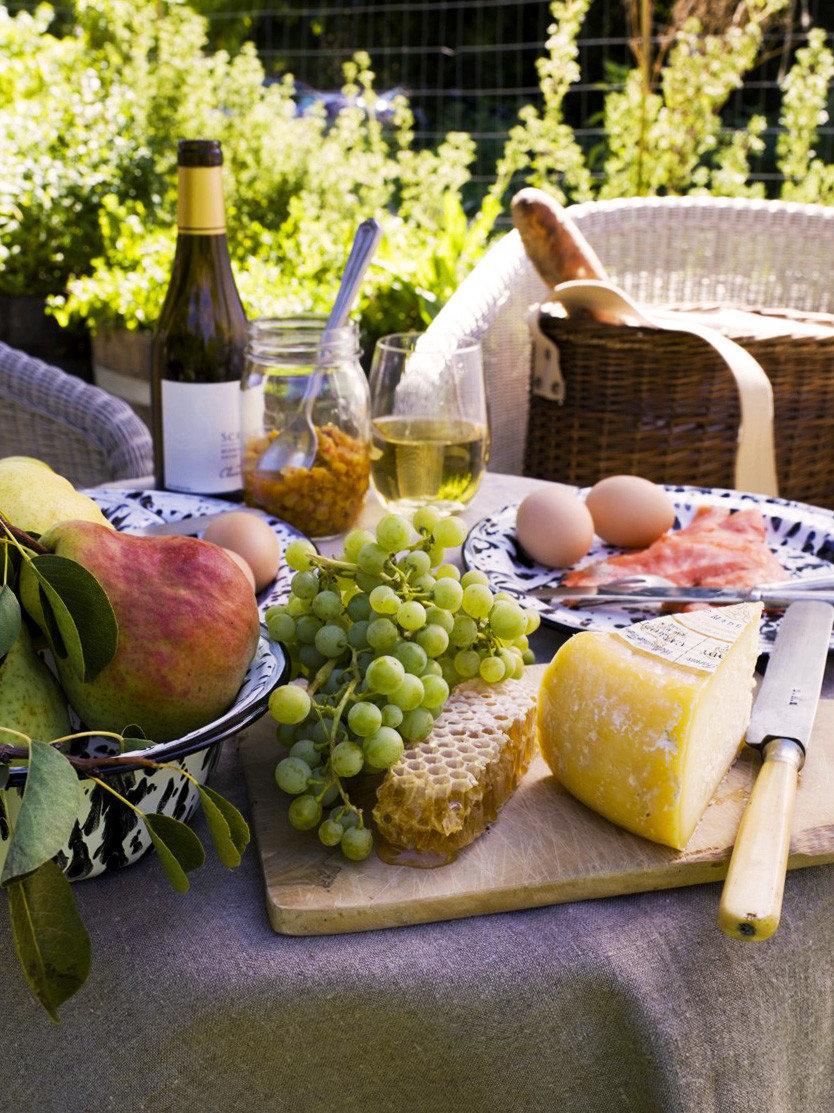 Bar Dining Drink Eat Elegant lunch Picnic brunch food fruit breakfast flower