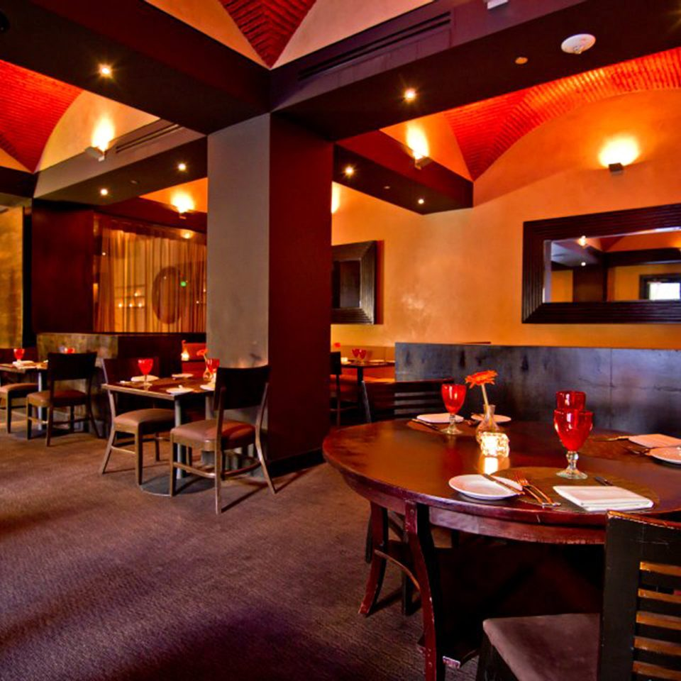 Dining Drink Eat restaurant function hall Bar Lobby