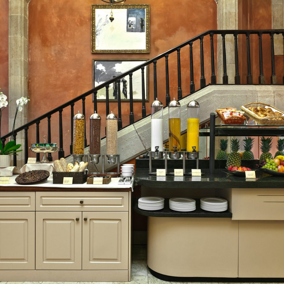 Bar Dining Drink Eat Elegant Hip Luxury Kitchen cabinetry countertop home restaurant