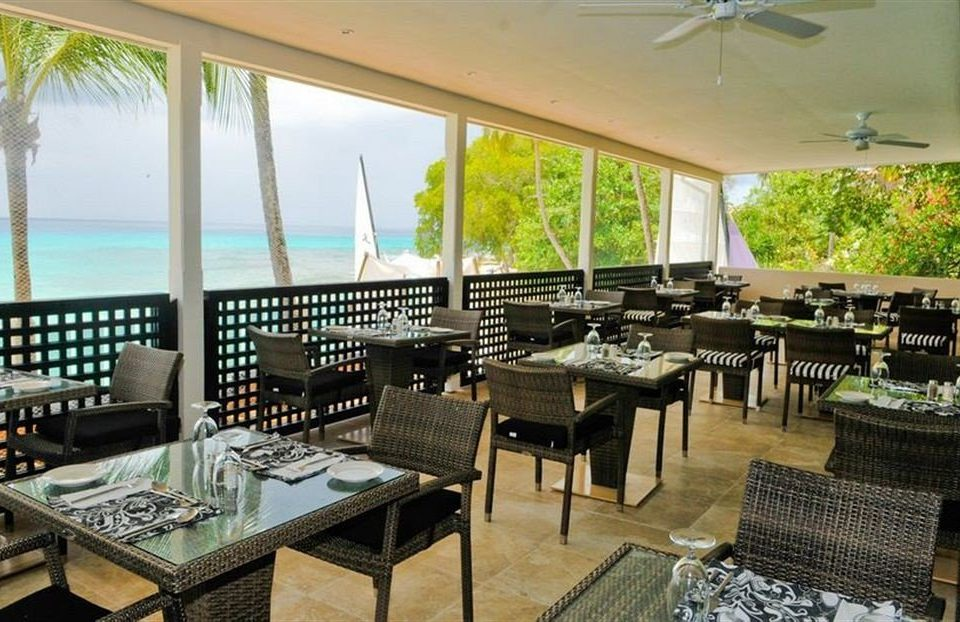 Bar Dining Drink Eat Modern chair property restaurant Resort condominium Villa porch Island dining table