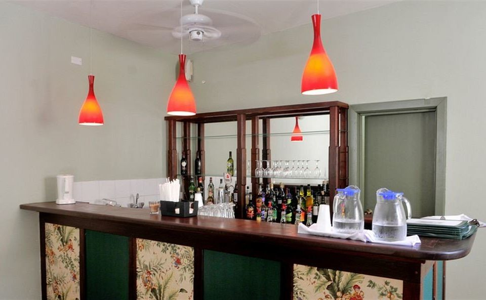 Bar Dining Drink Eat Modern property home restaurant lighting cottage Kitchen shelf living room