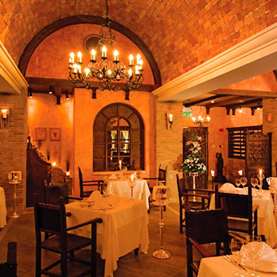 Bar Dining Drink Eat Luxury Romantic Scenic views restaurant function hall