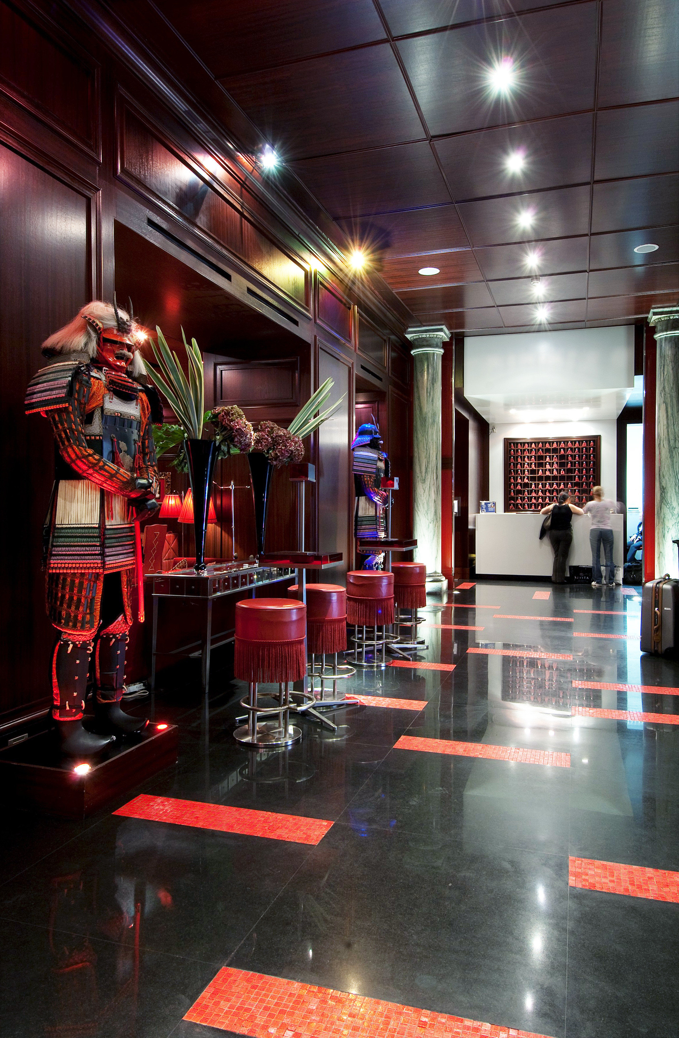 Bar Dining Drink Eat Elegant Hip Luxury Modern Nightlife stage nightclub Lobby restaurant