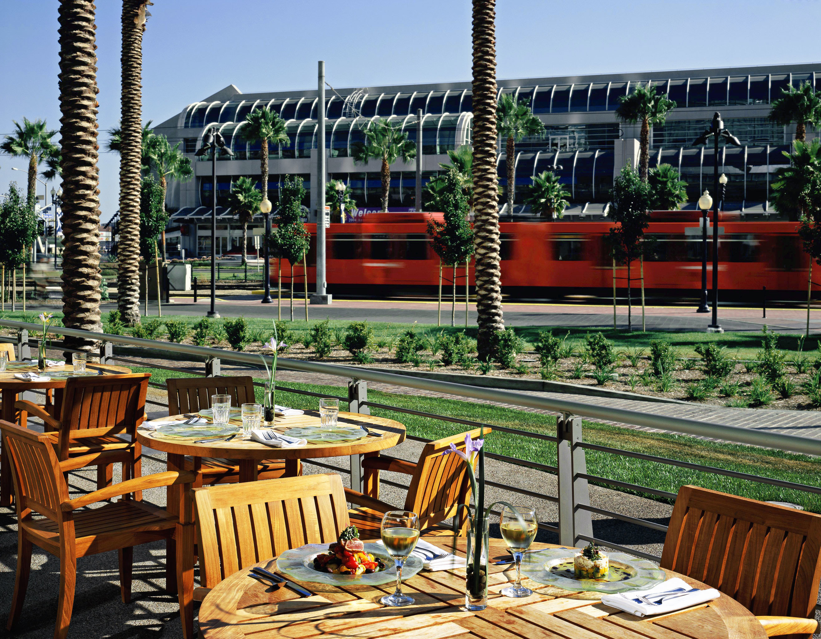 Bar Dining Drink Eat Lounge Luxury chair restaurant plaza Resort outdoor structure set