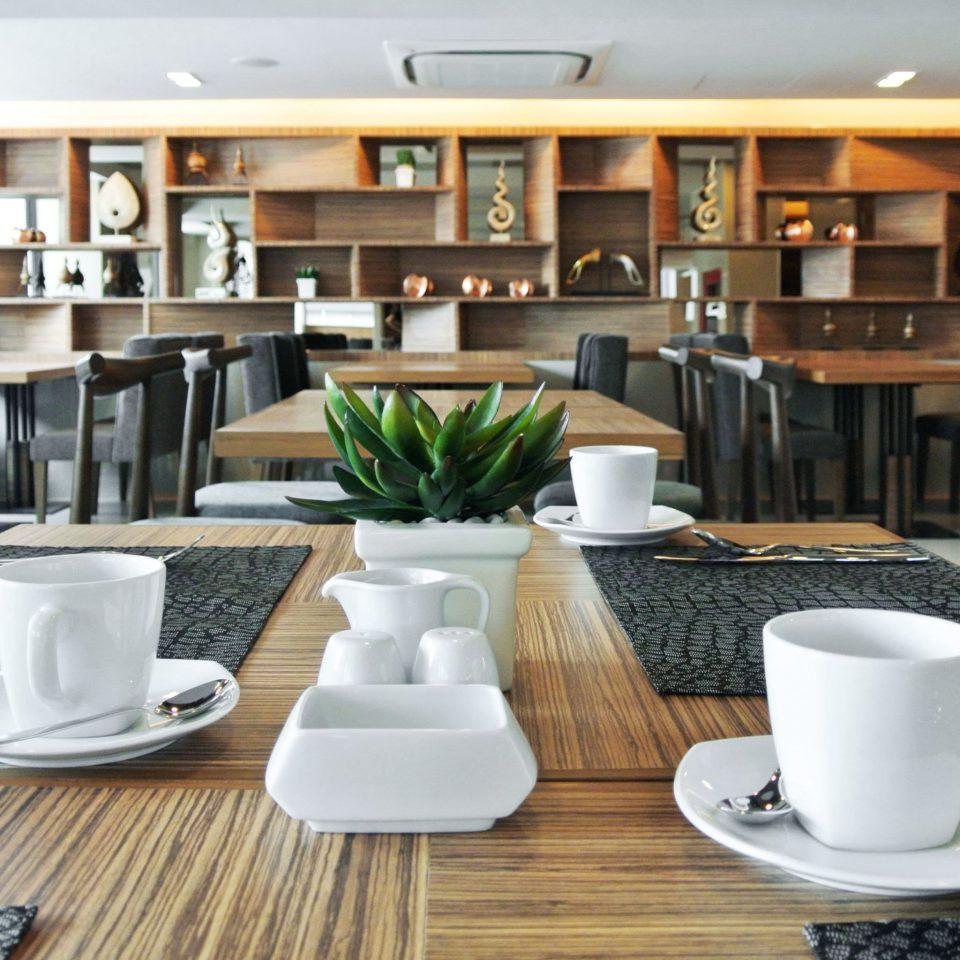 Bar Dining Drink Eat coffee living room restaurant condominium breakfast dining table