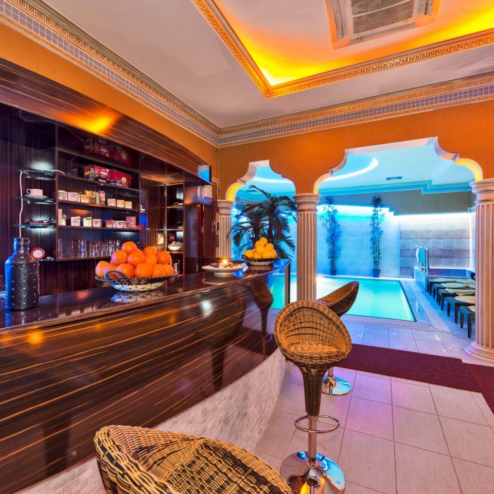 Bar Dining Drink Eat Hip Modern Lobby Resort recreation room screenshot