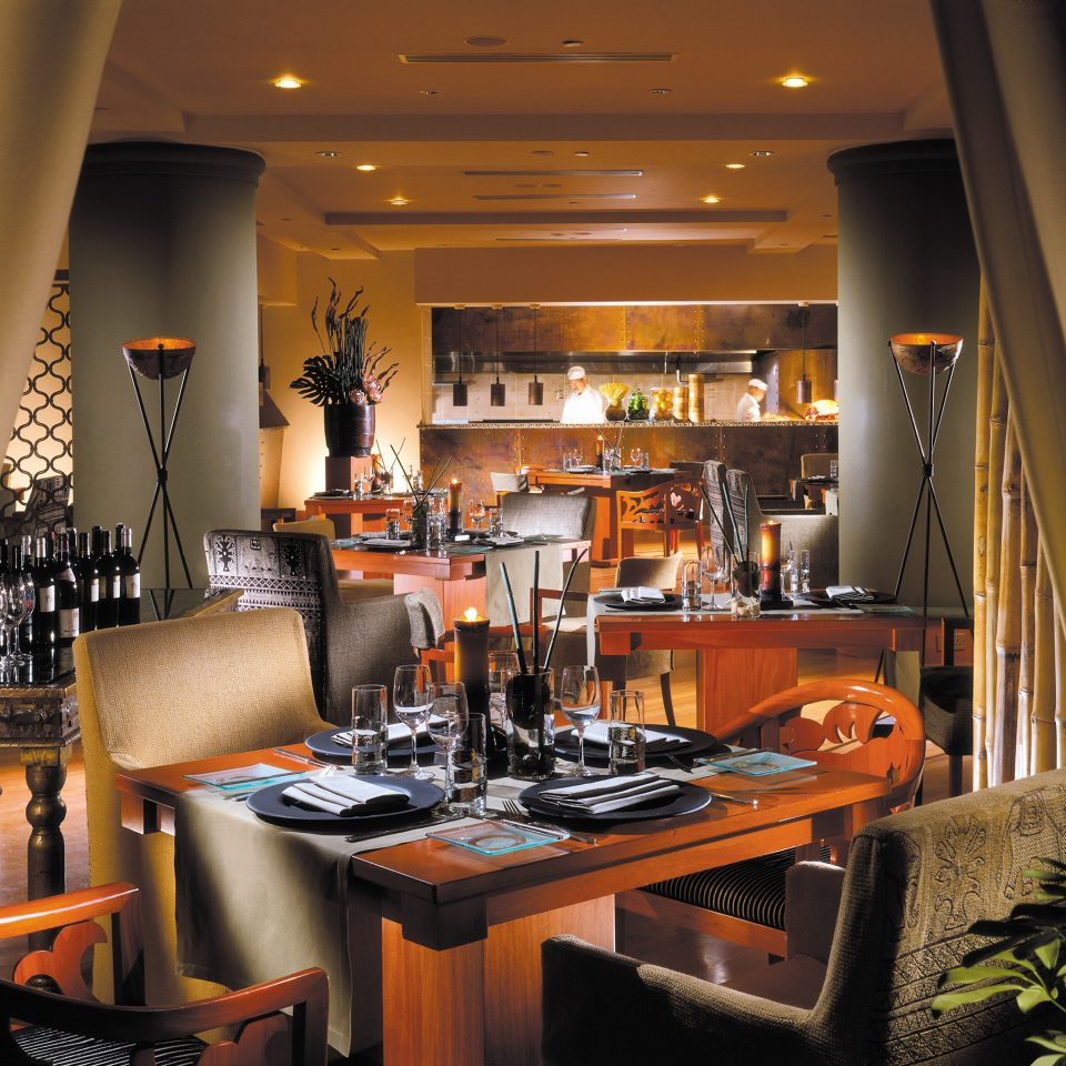 Bar Dining Drink Eat Hip Modern Kitchen restaurant home counter Island
